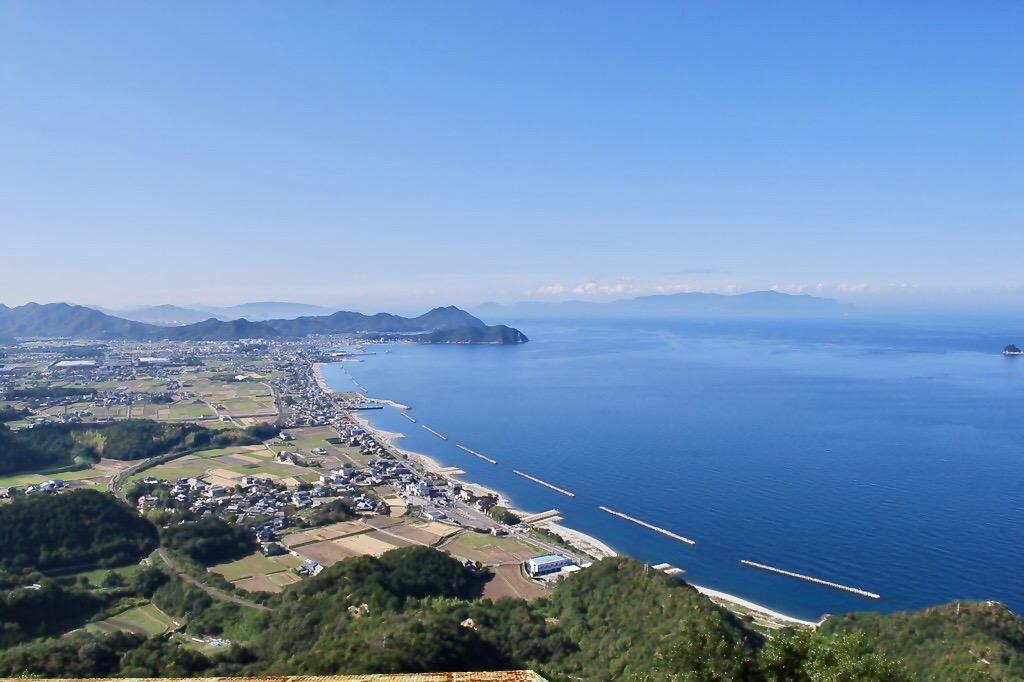 835年前、源義経が徳島の大坂峠を越え東かがわ市に入り引田、白鳥 ...